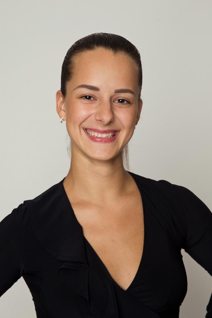 <center>Dominika Kožušníková<center>